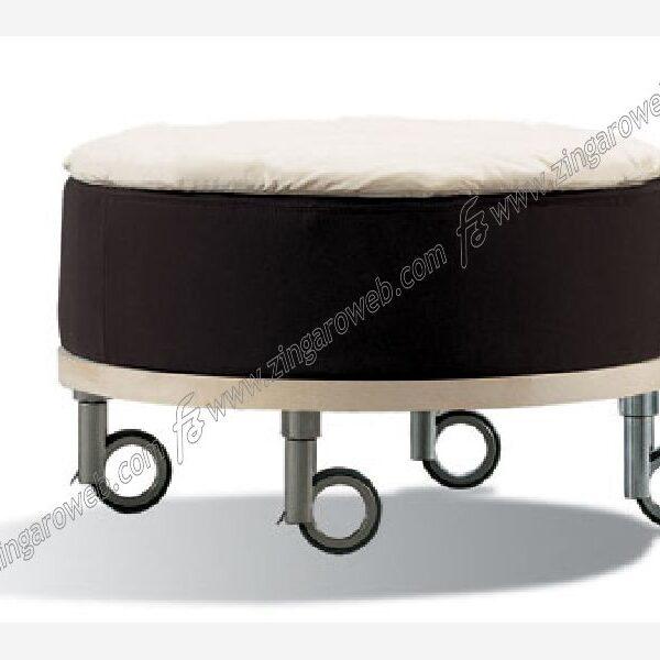 RUOTA GOMMA+ZAMA ROTOLA PORTATA kg.50 PERNO FILETTATO 8MAx20+FRENO DIAMETRO 120 mm. CROMO/GRIGIO prodotto da OGTM
