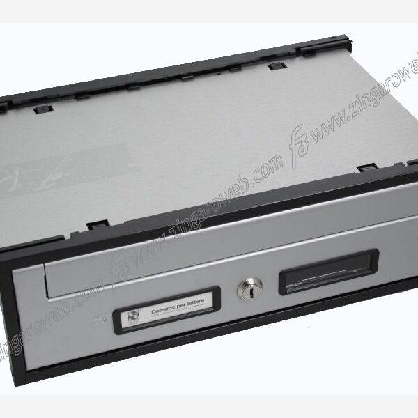 CASSETTA POSTALE INCASSO ESTERNO ORRIZZONTALE mod.OPEN-AIR SC5 mm.400x250x125 SILVER prodotta da SILMEC